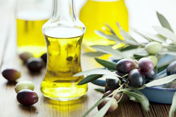 オリーブオイルの種類と効果効能!美容室4cmの健康ブログ