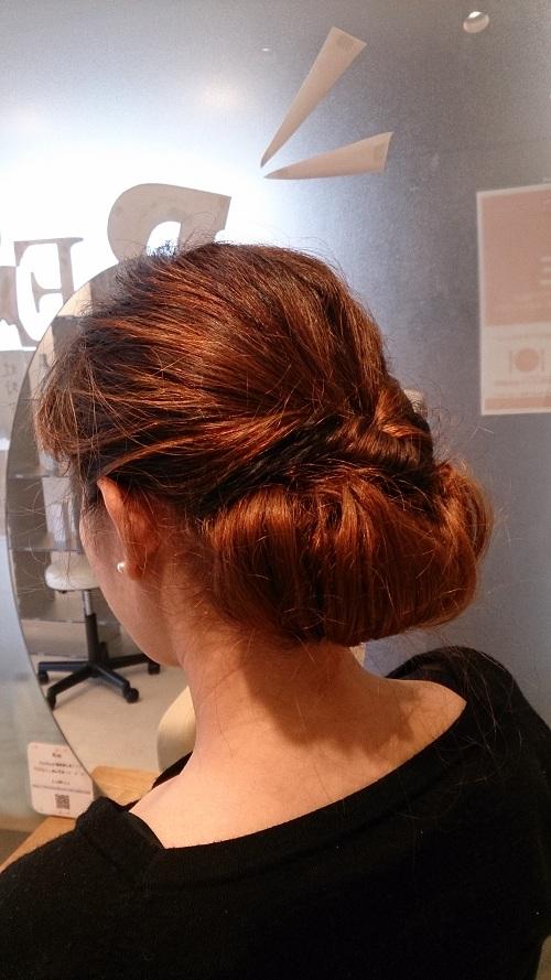 くるりんぱハーフアップヘアのやり方!簡単にできる髪型の紹介