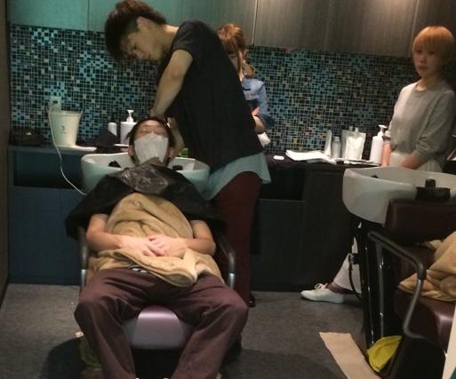 金沢市美容室4cm!美容師のシャンプー練習は営業中にやっています!