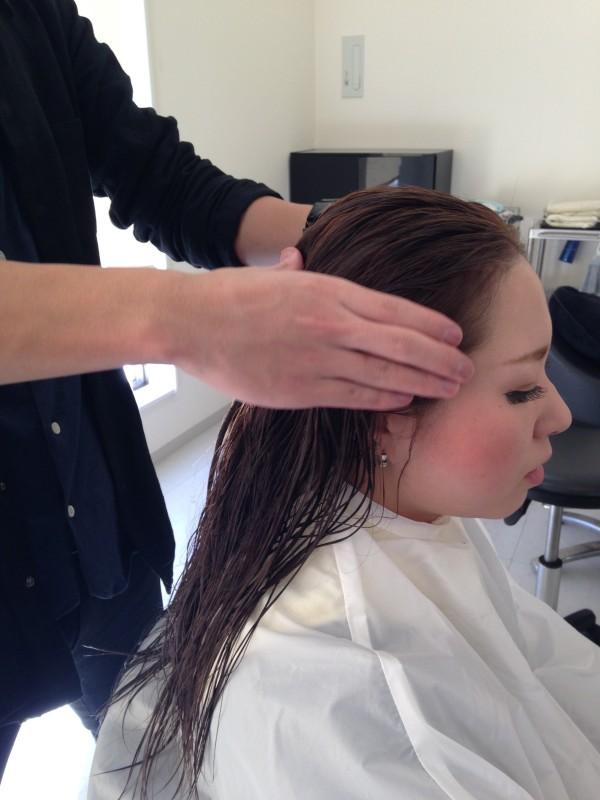 自宅で出来る簡単頭皮マッサージのやり方!血行促進効果で抜け毛予防