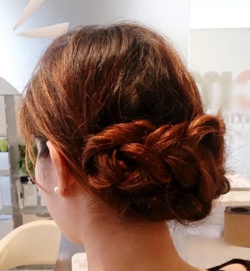 結婚式のセルフヘアアレンジにも使える簡単三つ編みセットのやり方