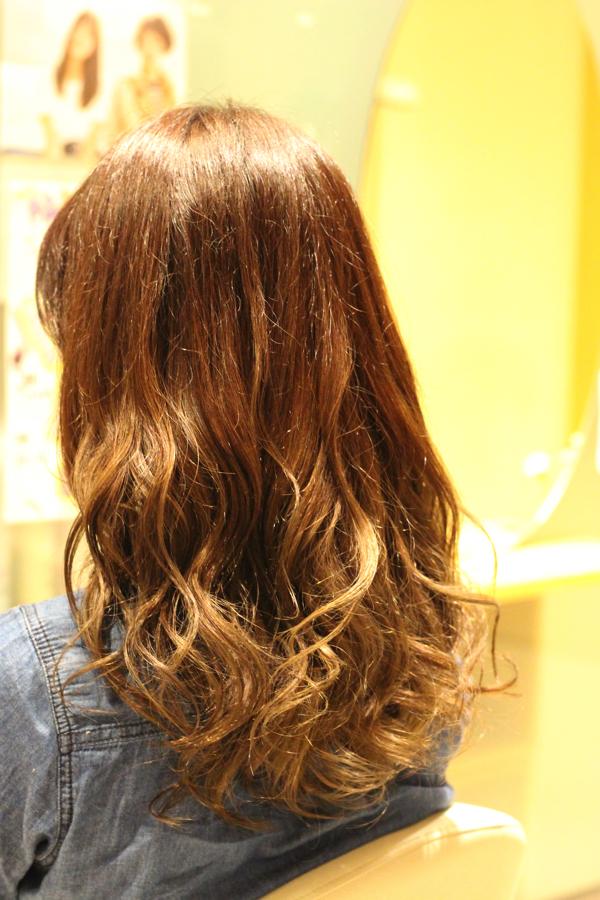 自宅で行う市販のヘアカラー剤には注意が必要!セルフカラーは髪を傷める