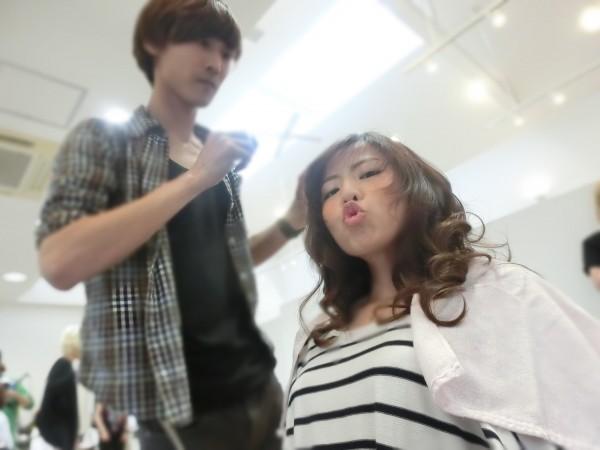 前髪の流し方 !ストレートアイロンを使って簡単に斜めに流す方法
