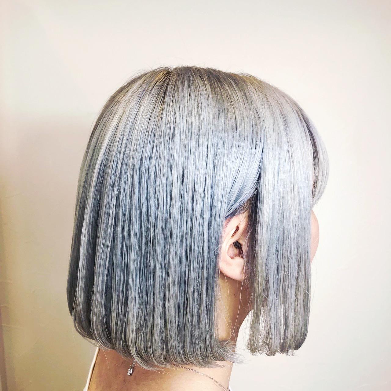 ヘアカラーのホワイトアッシュってどんな髪色?美容室4cmのミノちゃんが教えちゃいます。
