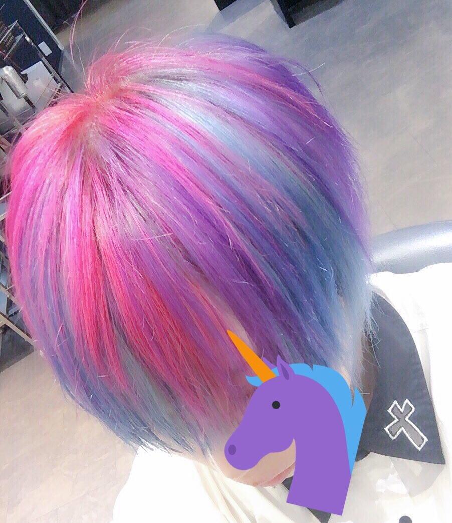 派手髪カラーは美容院4cmにお任せ!【写真38選を紹介】