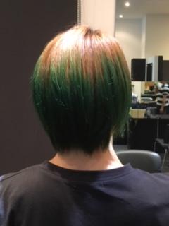きれいに髪を染める方法とは?ヘアカラーにはマニックパニックがオススメ