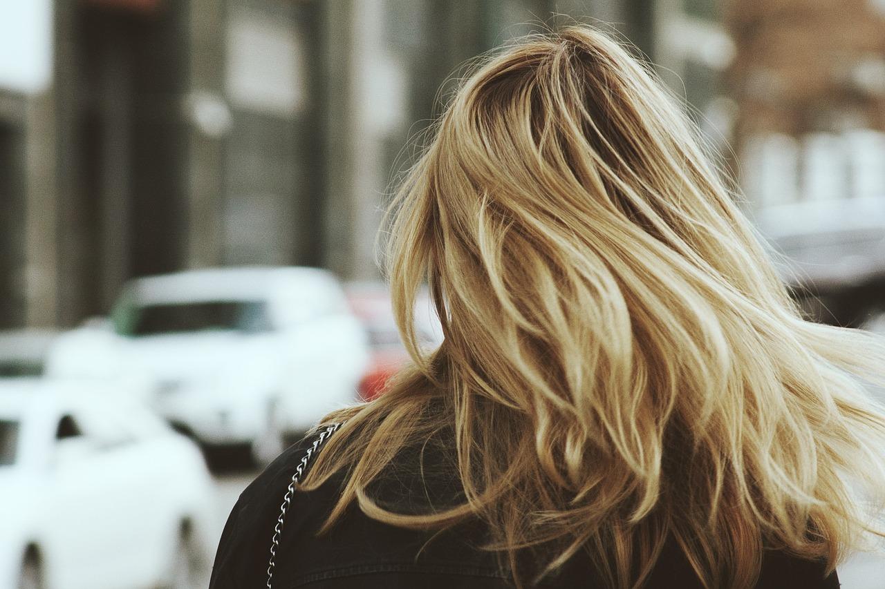 髪の毛の乾燥対策の方法を教えちゃいます!美容師オススメヘアケア!