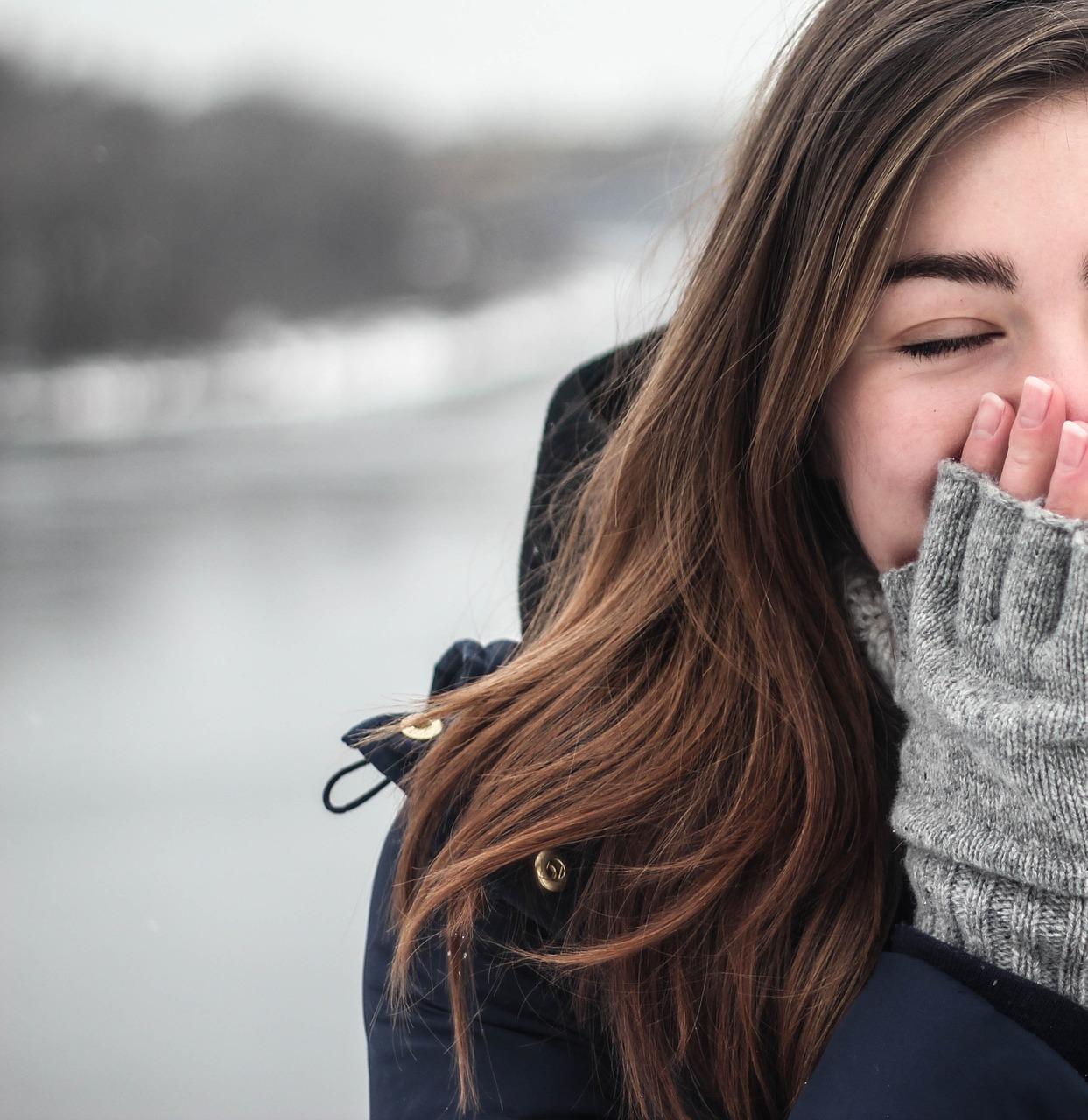 冬に髪の毛が乾燥する原因と美容師オススメの対処法8選