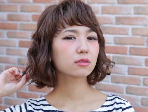 前髪はパーマでアレンジしよう!短い前髪でも斜めに流せる方法