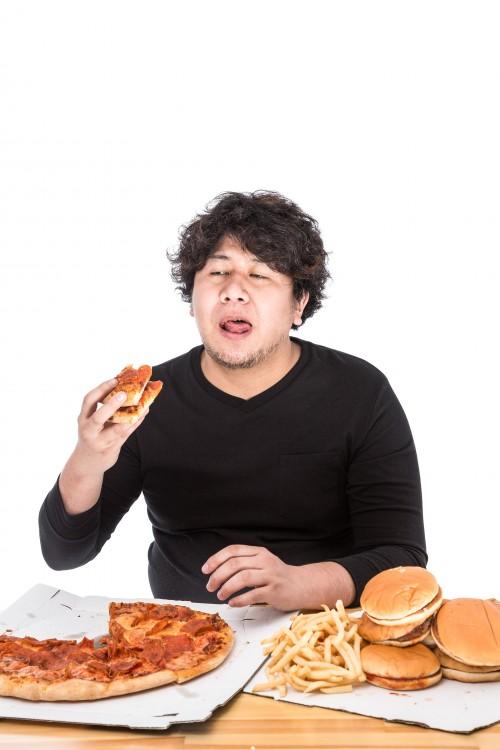 ダイエット方法のレシピにはカロリー制限よりも糖質制限が効果大